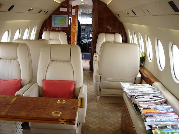 Jet privé vue intérieur : compagnie Aviation d'Affaires sur l'aéroport de Paris Le Bourget, Juin 2010