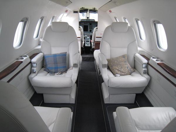Vue intérieure d'un avion d'affaire privé : Salon du bourget, 52° édition, Juin 2017
