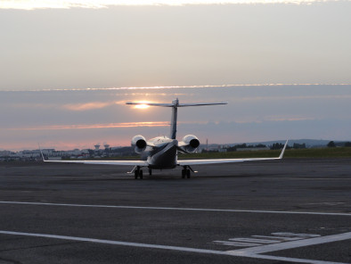 bombardier-learjet-45-take-off