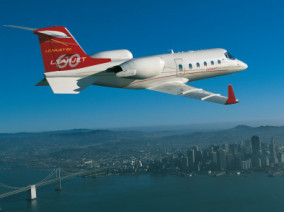 bombardier-learjet-60-flying