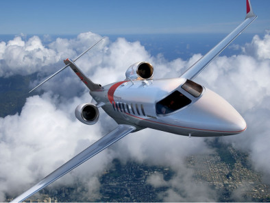 bombardier-learjet-75-flying