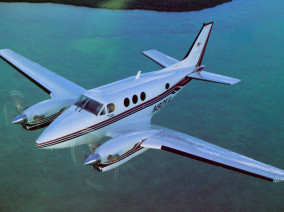 beechcraft-king-air-90-flying