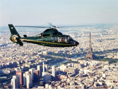 Excursion VIP en hélicoptère privé : Tour de Paris en hélicoptère : chateau de Versailles. Avec le service de vols à la demande d'AB Corporate Aviation, tour-de-paris-en-helicoptere-dolphin-flying-paris.
